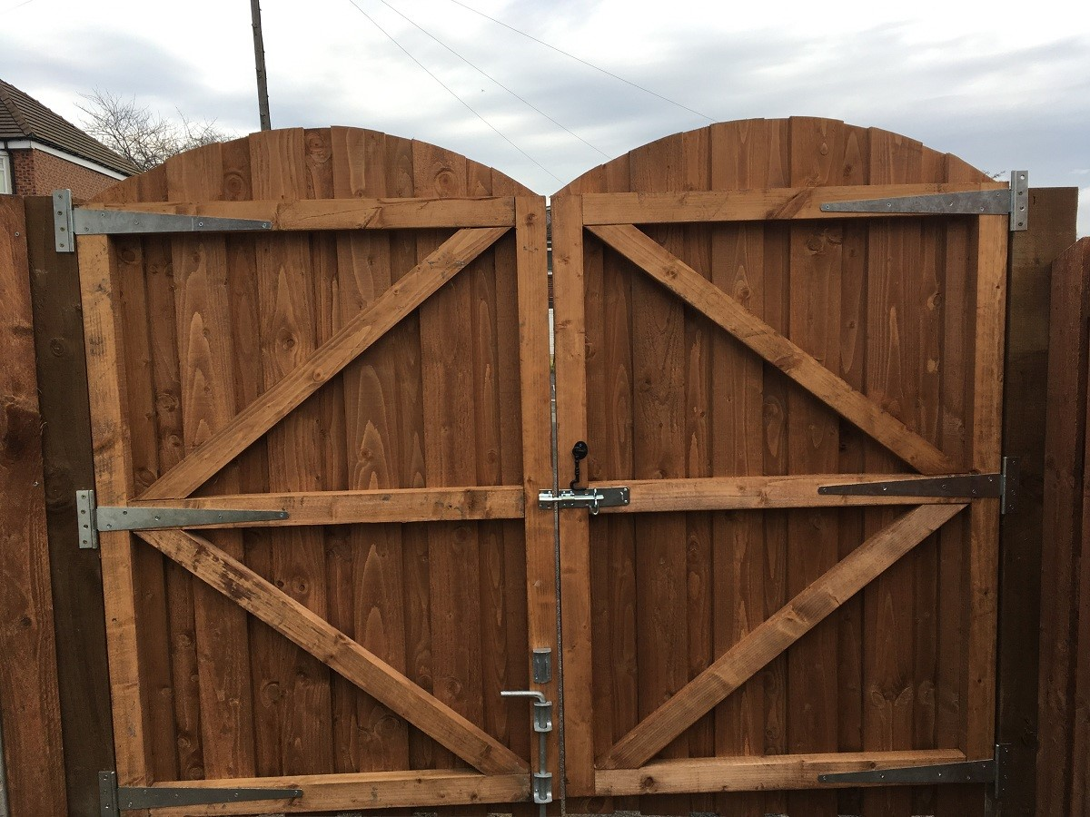 Timber Gates Sheffield, Rotherham, Doncaster, Barnsley